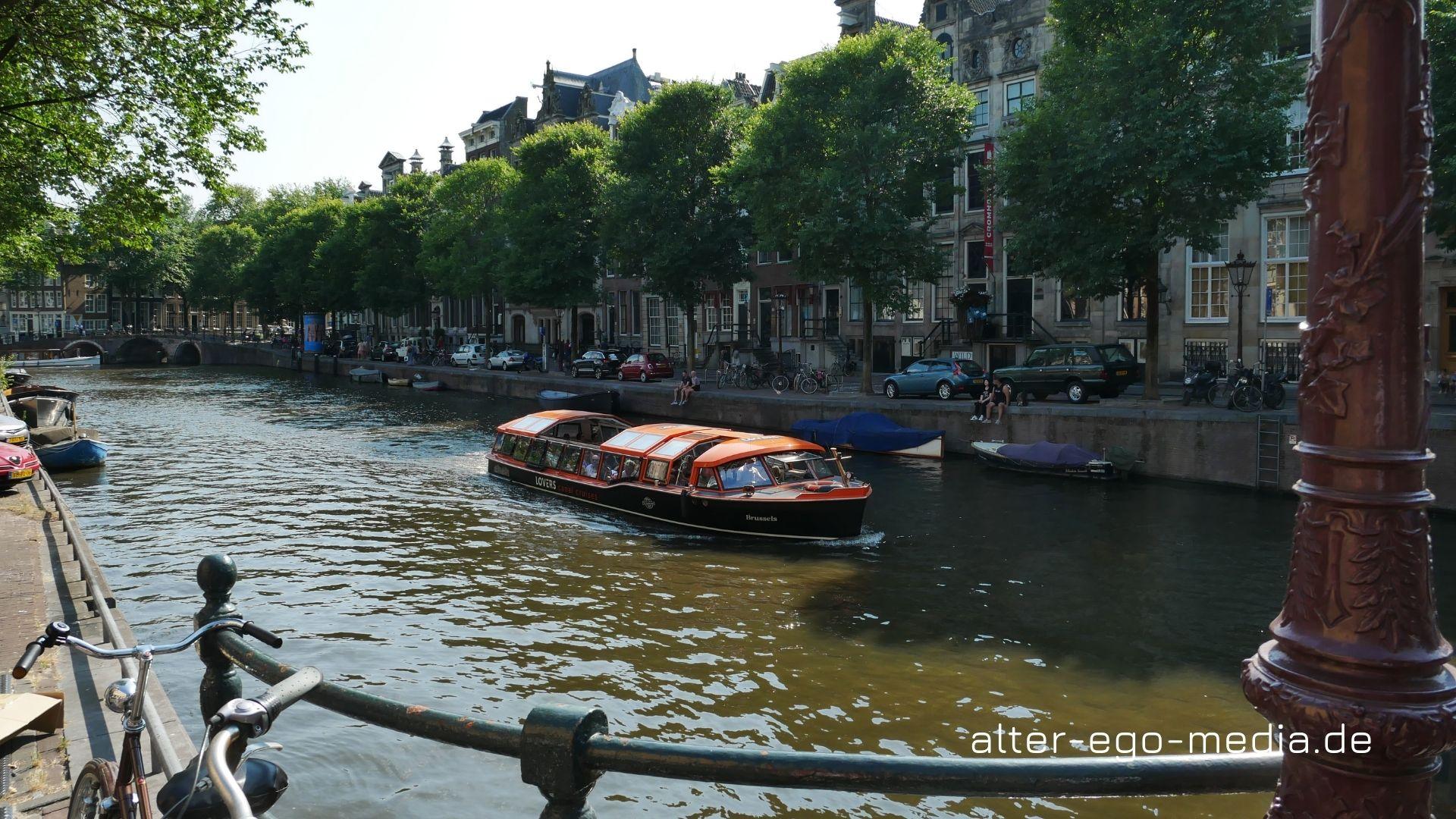 Амстердам каналы и катера