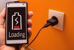 ЕС будет бороться с ночной зарядкой смартфонов
